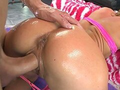 Dirty MILF Loves Anal Banging